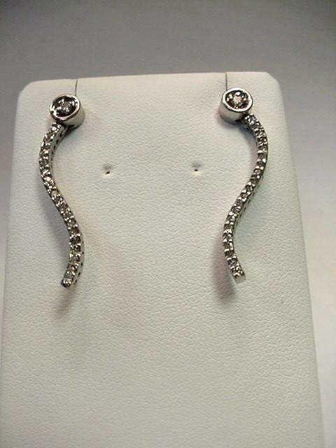 20: 14kwg fancy diamond earrings .50ctw