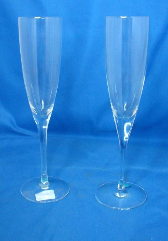 3: 2 Crystal Tiffany & Co. Champagne Flutes