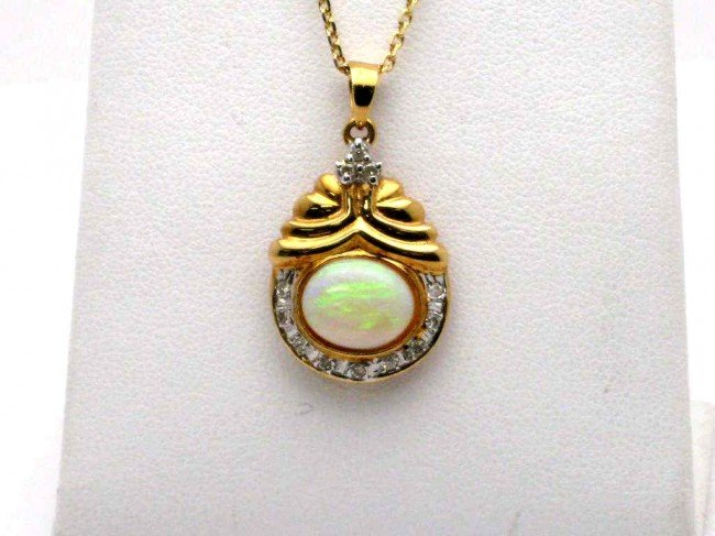 6: 14kyg opal & diamond necklace