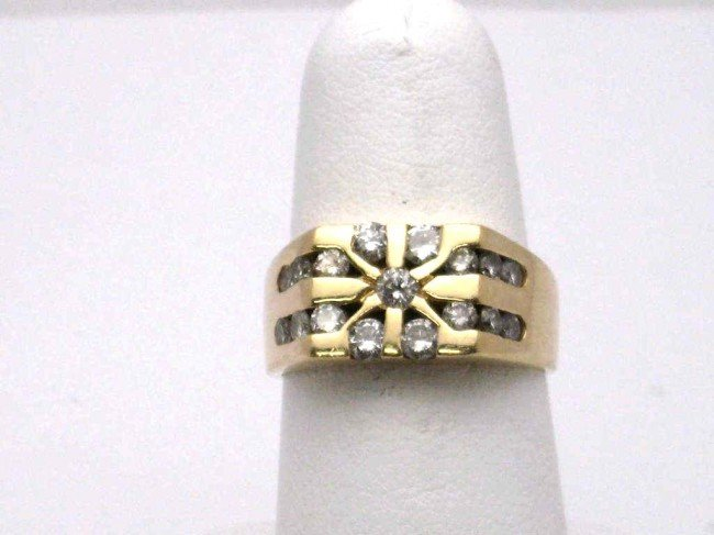 19: 14kyg diamond starburst ring