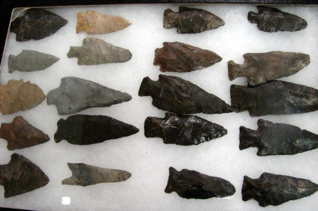 170: Lot of 78 Arrowheads in Display Cases