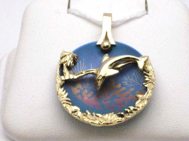 8A: 14kyg dolphin necklace