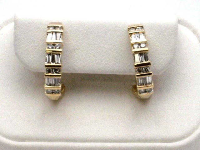 14A: 14kyg diamond earrings 1ctw