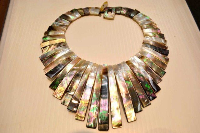 5: Mother of Pearl collar by Marianna Sajen
