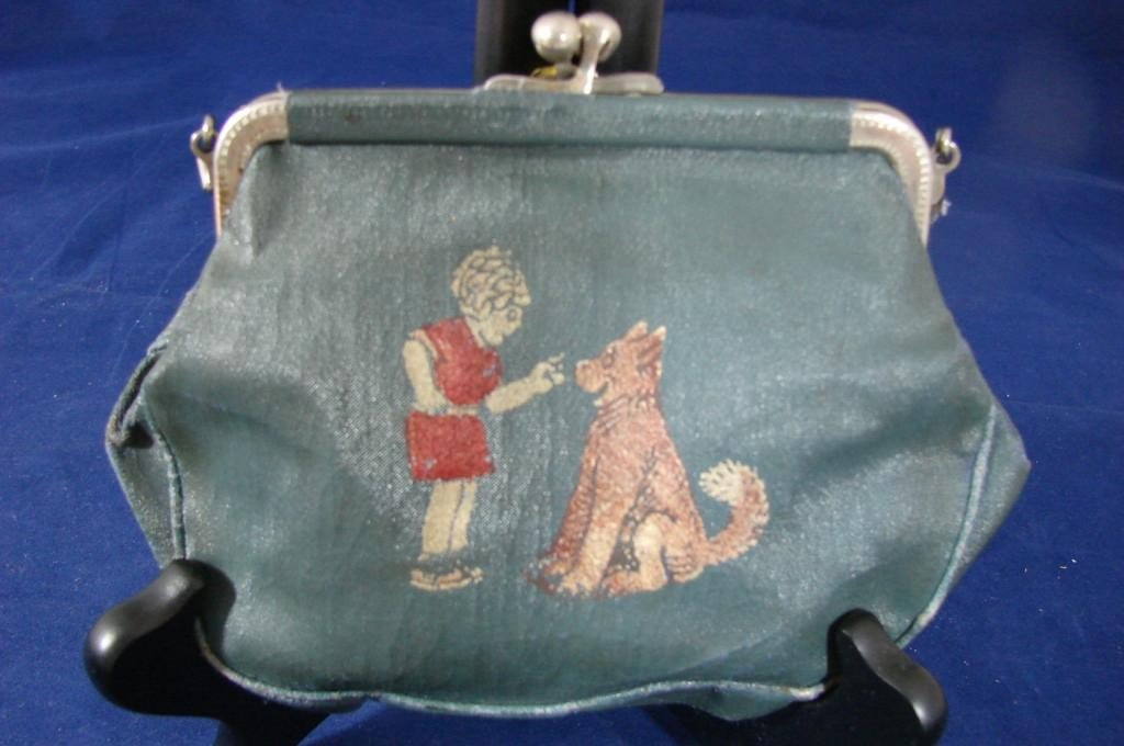 10A: Vintage Authentic Orphan Annie Purse - Green