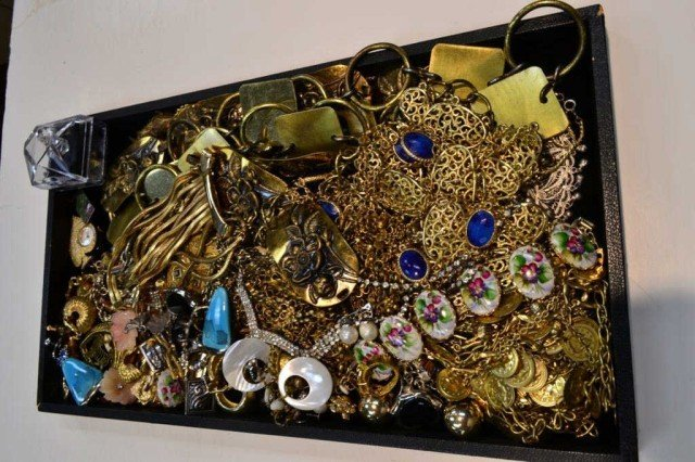 4: Lot of costume jewelry