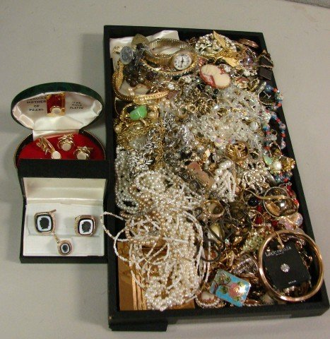 5: Huge lot of assorted costume jewelry