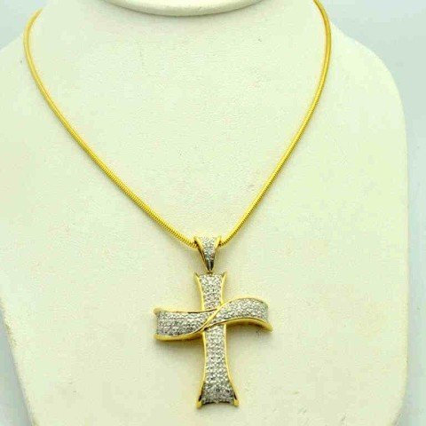21: 14kyg diamond cross necklace 1.50ctw
