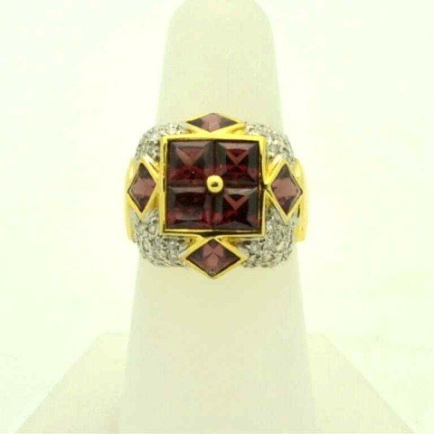 22: 18kyg tourmaline & diamond ring