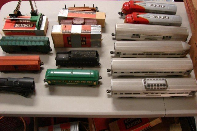 236: 2 sets Vintage Lionel Trains, tracks & accessories