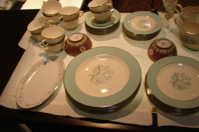 12: Retro Look Blue Sevron China Service for 6