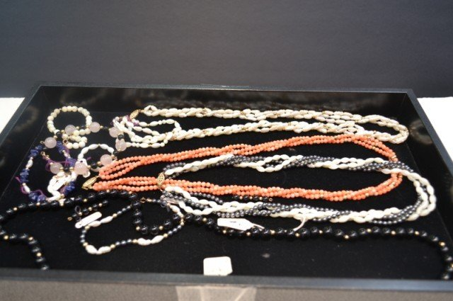 4: Lot of onyx, coral, pearl & hematite necklaces