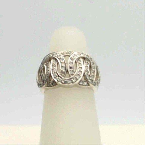 9: 14kwg diamond circle ring