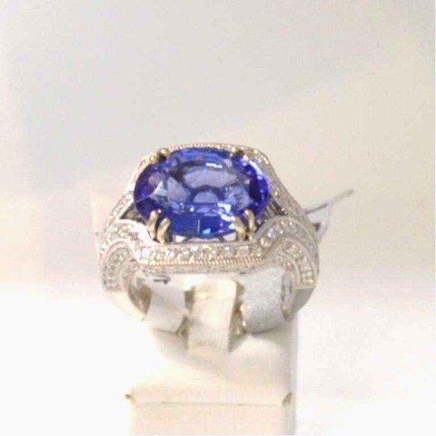257: 14kwg tanzanite & diamond ring 7.31ct