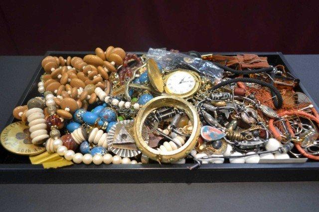 2: Lot of costume jewelry
