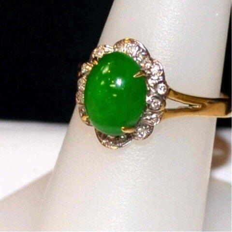 291: 14kyg jade & diamond ring