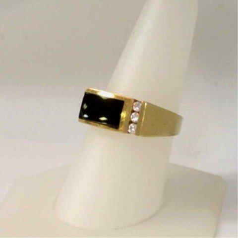 18A: 14kyg onyx & diamond ring