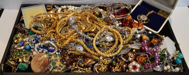 10A: Huge lot  Assorted Vintage Costume Jewelry