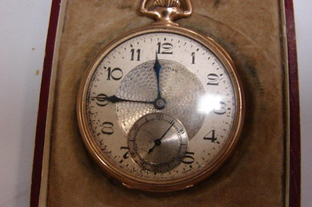 15: Vintage Illinois Pocket Watch Sangamo Special 23J