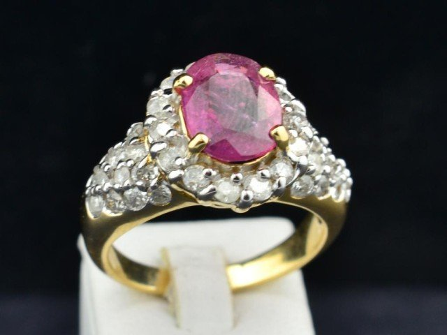 17: 14k yg Ladies Ruby and Diamond Ring