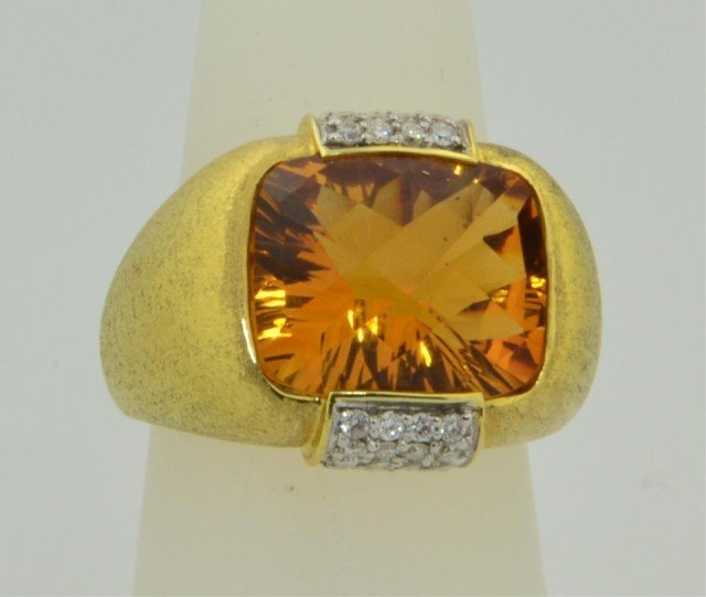 228: 18k yg Ladies New York Designer Citrine Ring