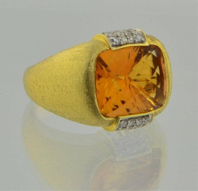 228: 18k yg Ladies New York Designer Citrine Ring - 2