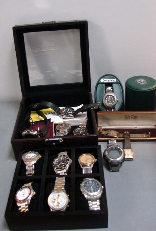 4: Lot of 14 Men's Watches & Storage Box