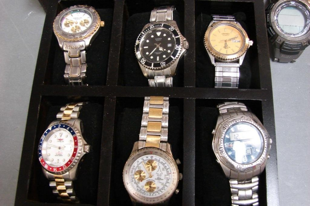 4: Lot of 14 Men's Watches & Storage Box - 7