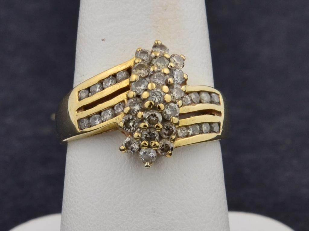 13: 14k yg  1/2 ctw  Lady's Diamond Ring