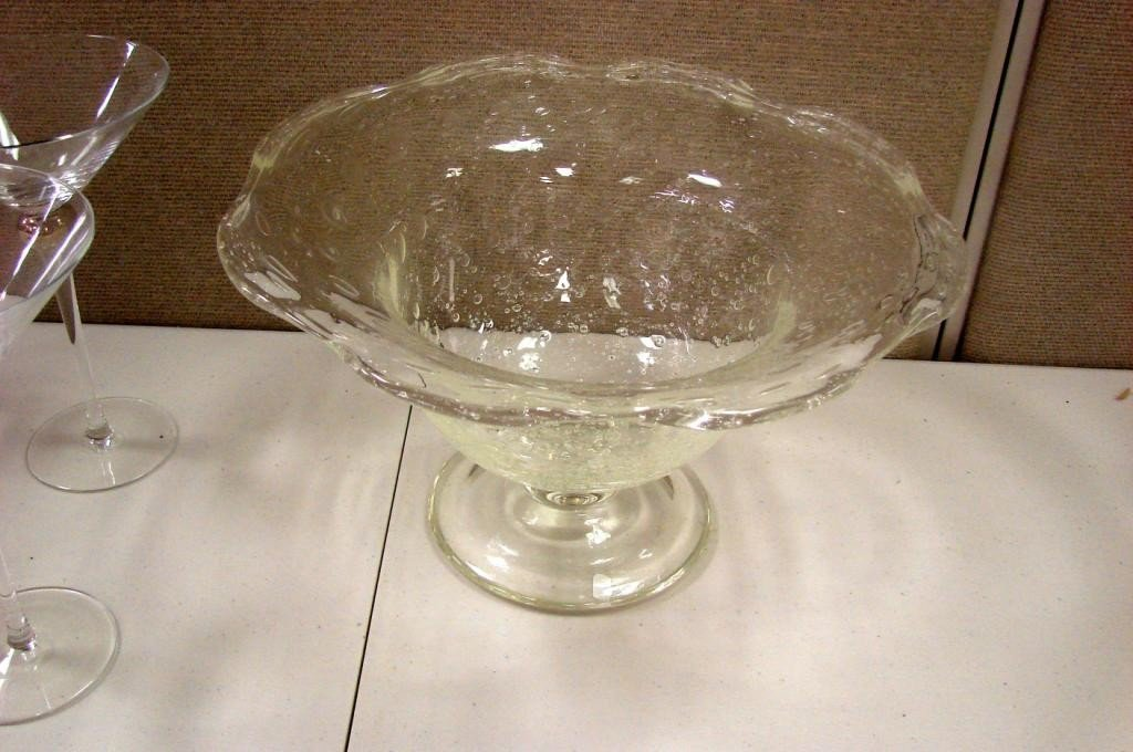 16: Footed Centerpiece Bowl & 7 Martini Glasses