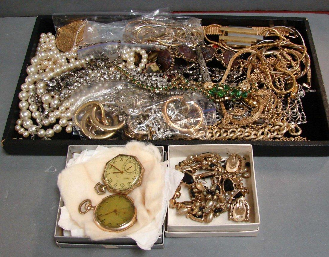 1: Lot of Vintage Costume Jewelry