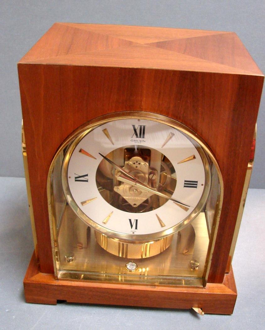 100: Gruen Atmos Clock Jaeger LaCoultre - Wood Case