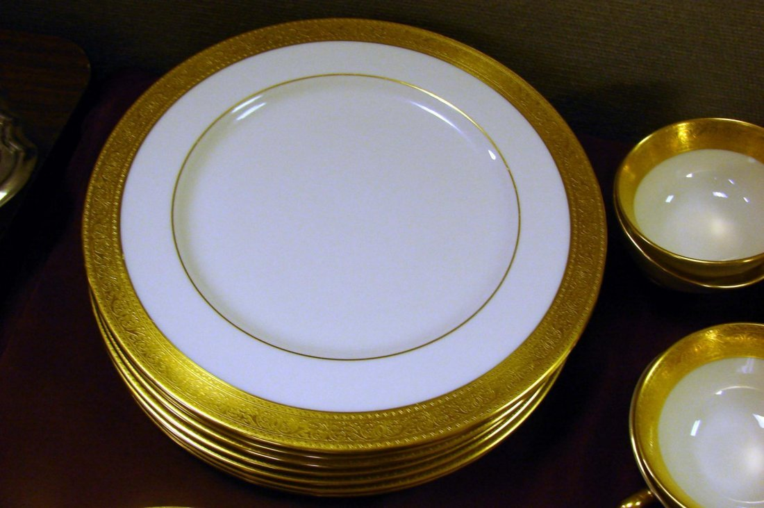 233: Lenox Westchester China Service for 8 +cream soup - 4