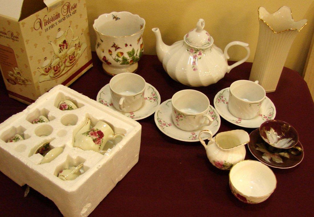 5: Lot of porcelain - Tea sets, sugar, Lenox vase