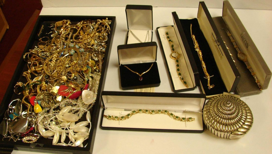 2: Vintage Lot of Costume Jewelry