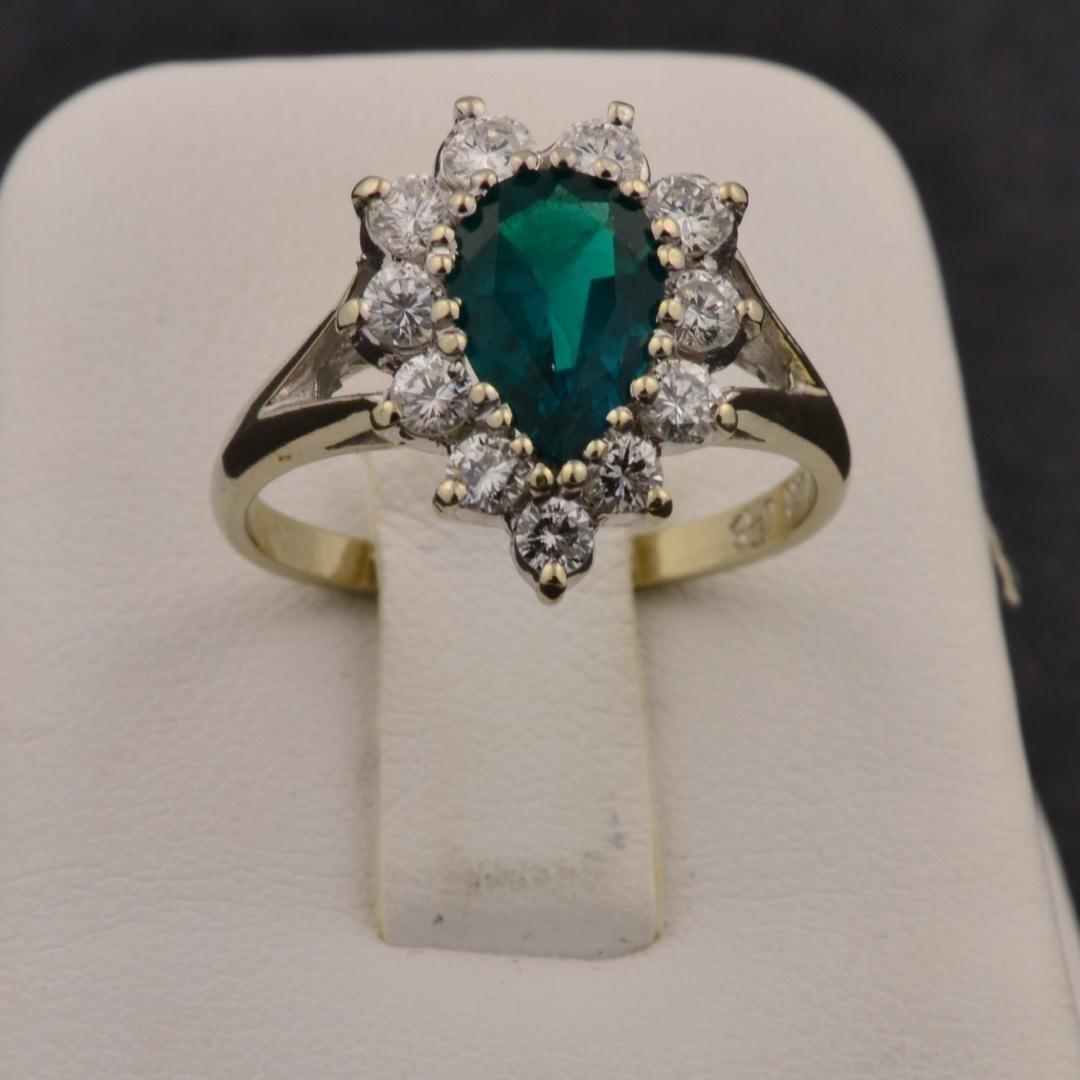 17: 14k wg Lady's Diamond Ring