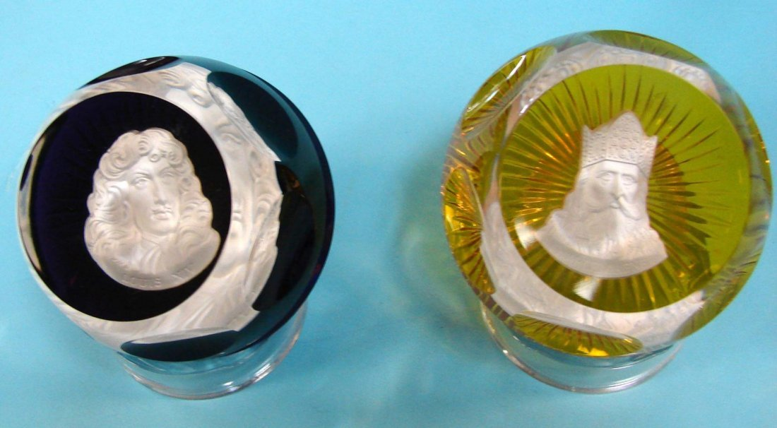 14: 2 Baccarat Cameo Paperweights by Franklin Mint