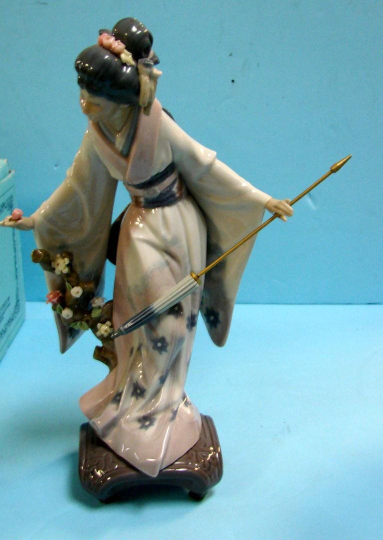 21: Lladro Japanese Girl Teruko #1451