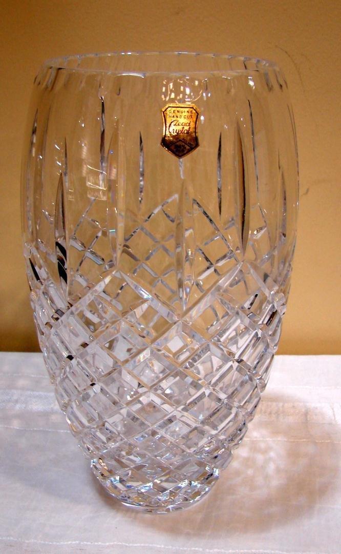 "15A: Hand Cut Lead Crystal Vase 10"""