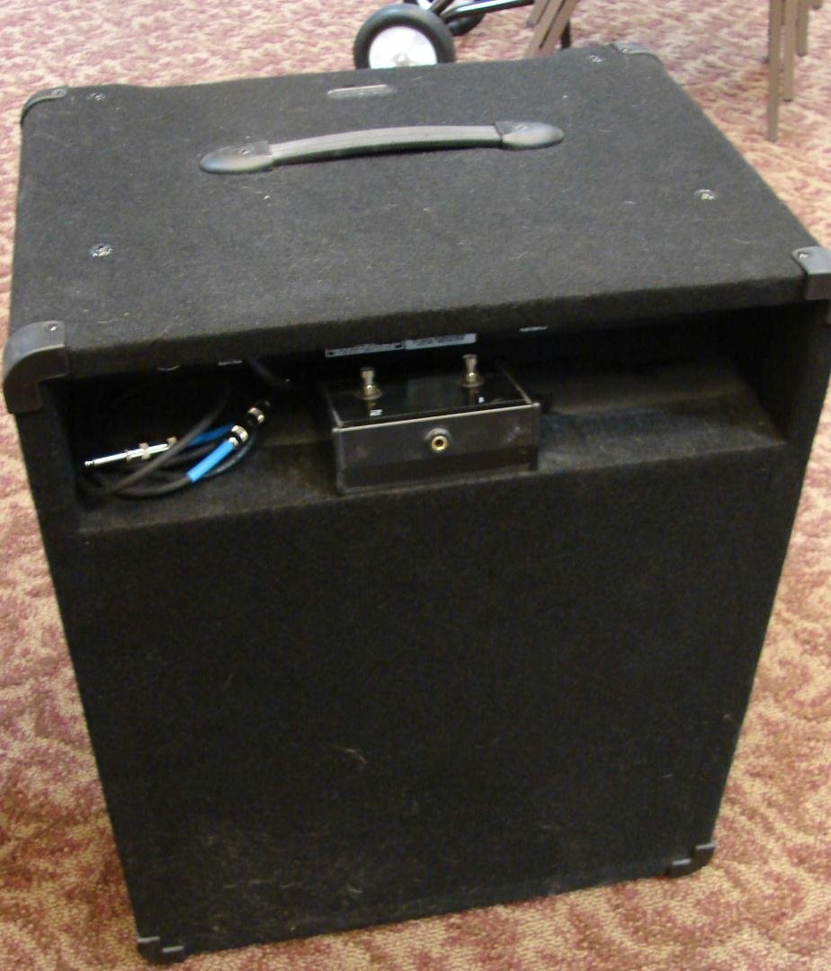 250: Crate Bass AMP: BT 100 with foot pedal