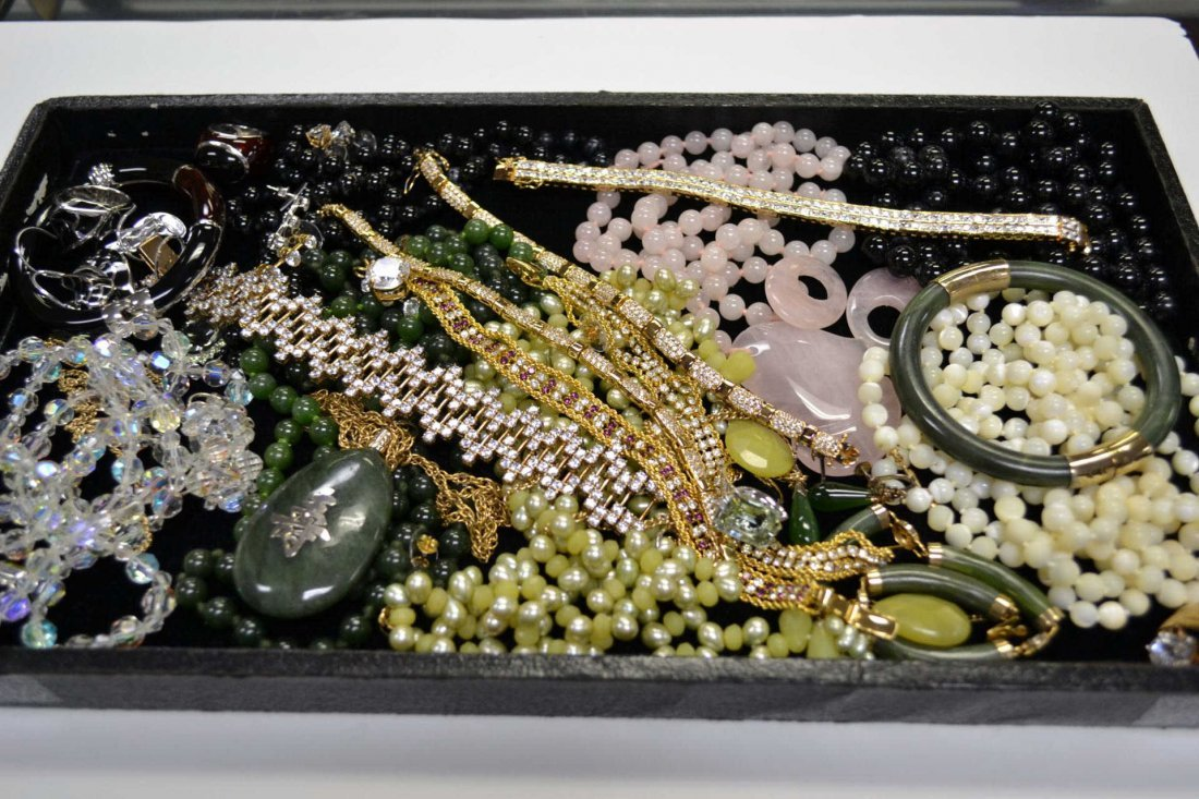 4: Lot of assorted costume jewelry