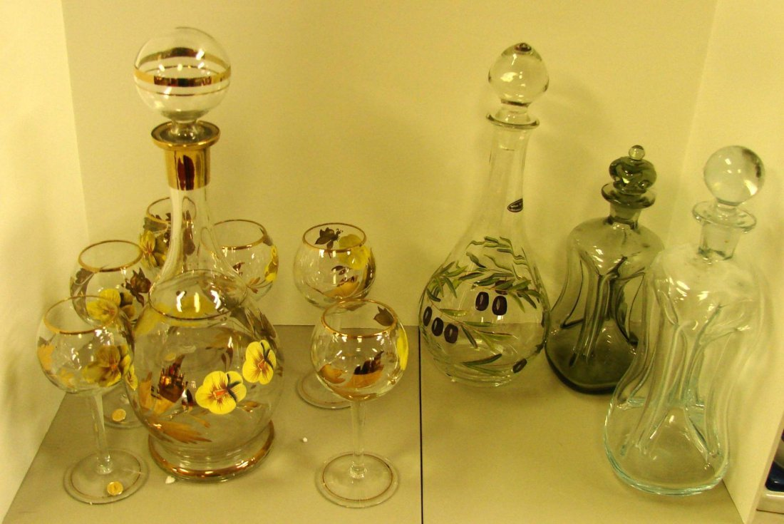 15: 4 Glass Decanters, matching wine glasses