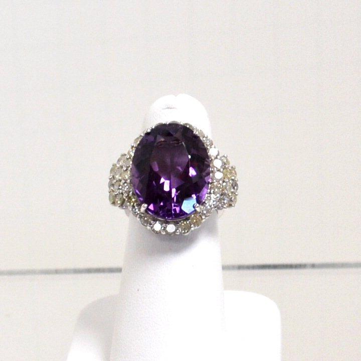 16: 14kwg Amethyst & Diamond Ring 10.90ct