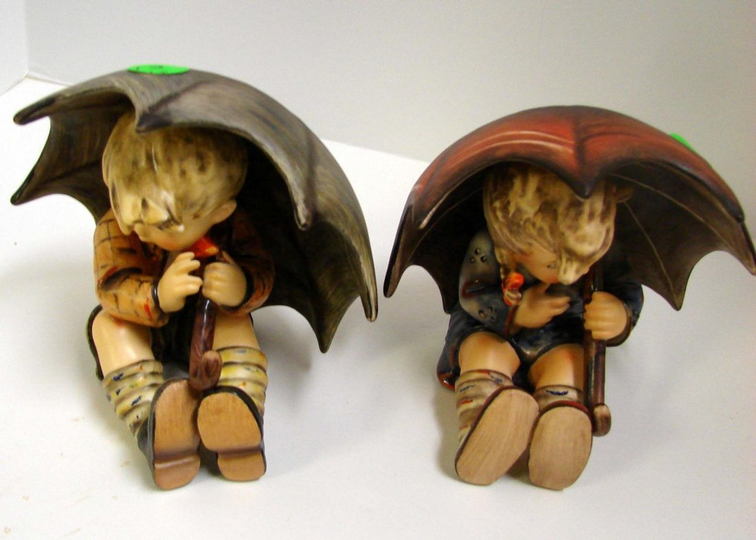 Hummel Umbrella Boy & Umbrella Girl #152