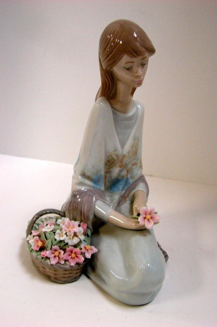 Lladro Flower Song #7607