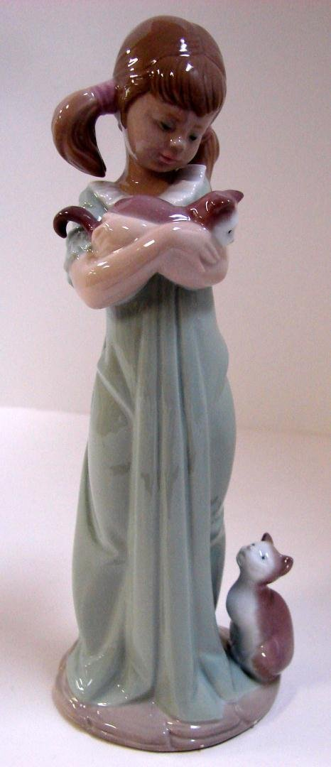 "Lladro ""Don't Forget Me"" Girl with Kitty"