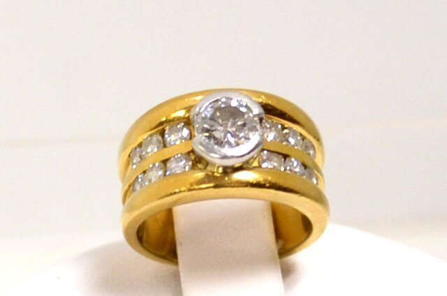 18kyg Bezel Set Diamond Ring 1.75ctw