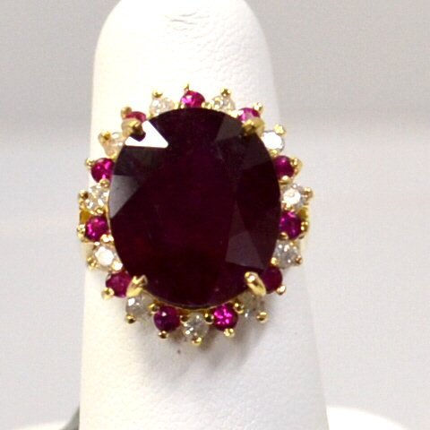 14kyg Ruby & Diamond Ring 12ct