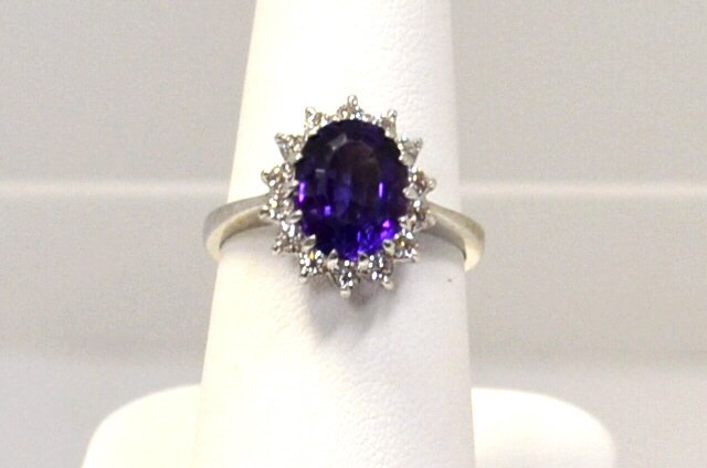 14kwg Amethyst & Diamond Ring