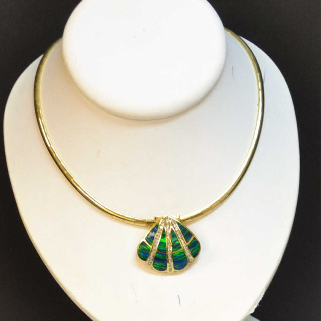 14kyg Omega Necklace with Shell Slide
